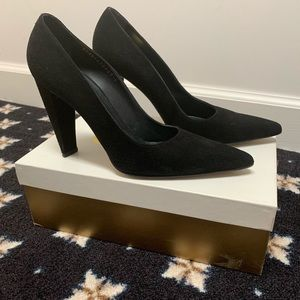 Gina London Suede heels